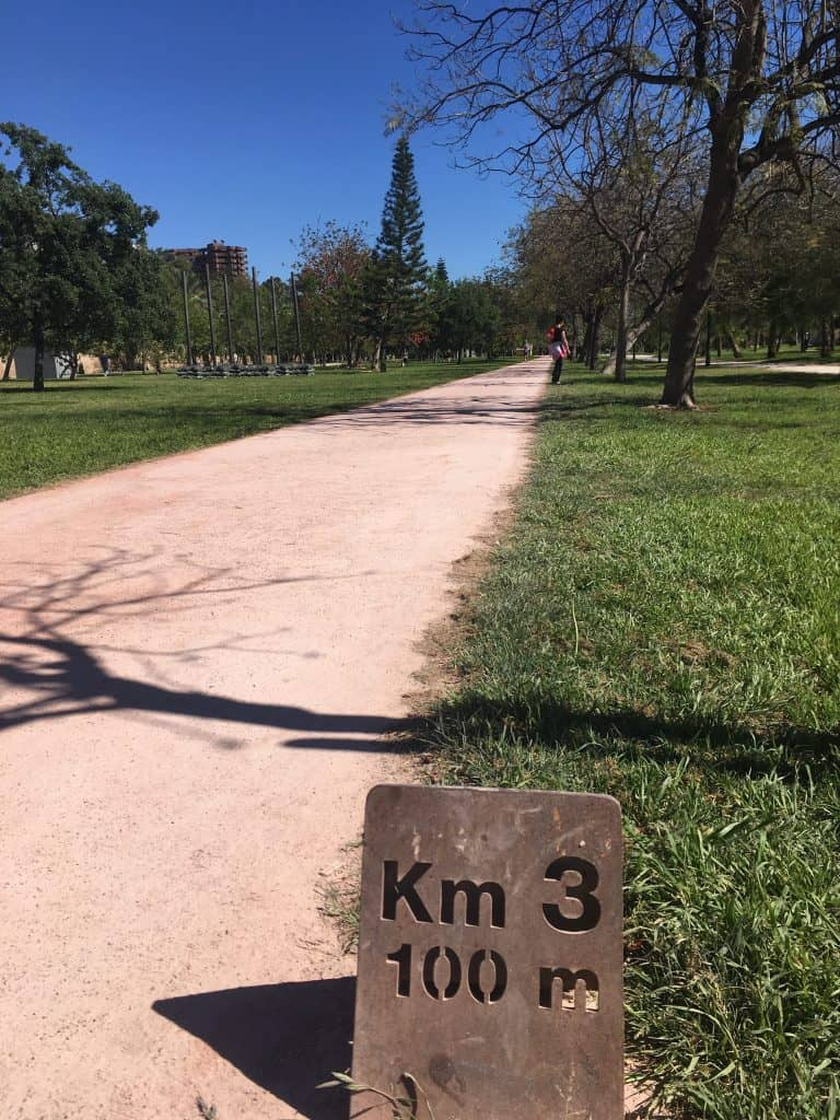 Valencia Distance Sign